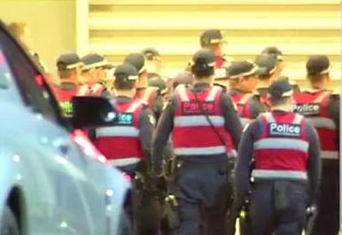 Thugs attack guard - HERALD SUN