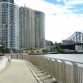 INVESTORS RIDING BRISBANE APARTMENT WAVE