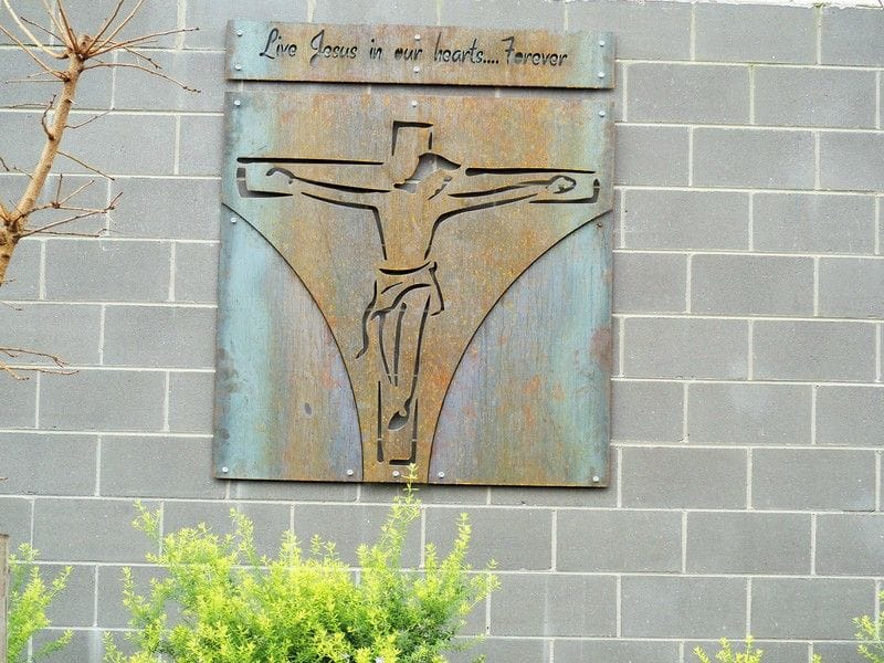 A parting gift for Year 12- St Yon Centre unveils new Lasallian prayer plaque