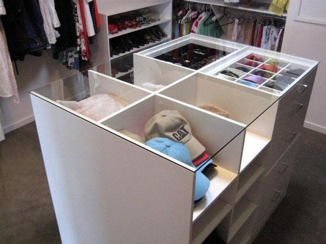 Wardrobe accessories for Closet island with glass top