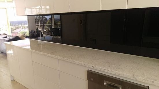 Acrylic splashback choices ipa perspex plexiglas zenolite vistelle isps innovations - Splashback alternatives ...