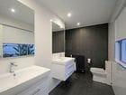 47 Allambi Ave Bath 1